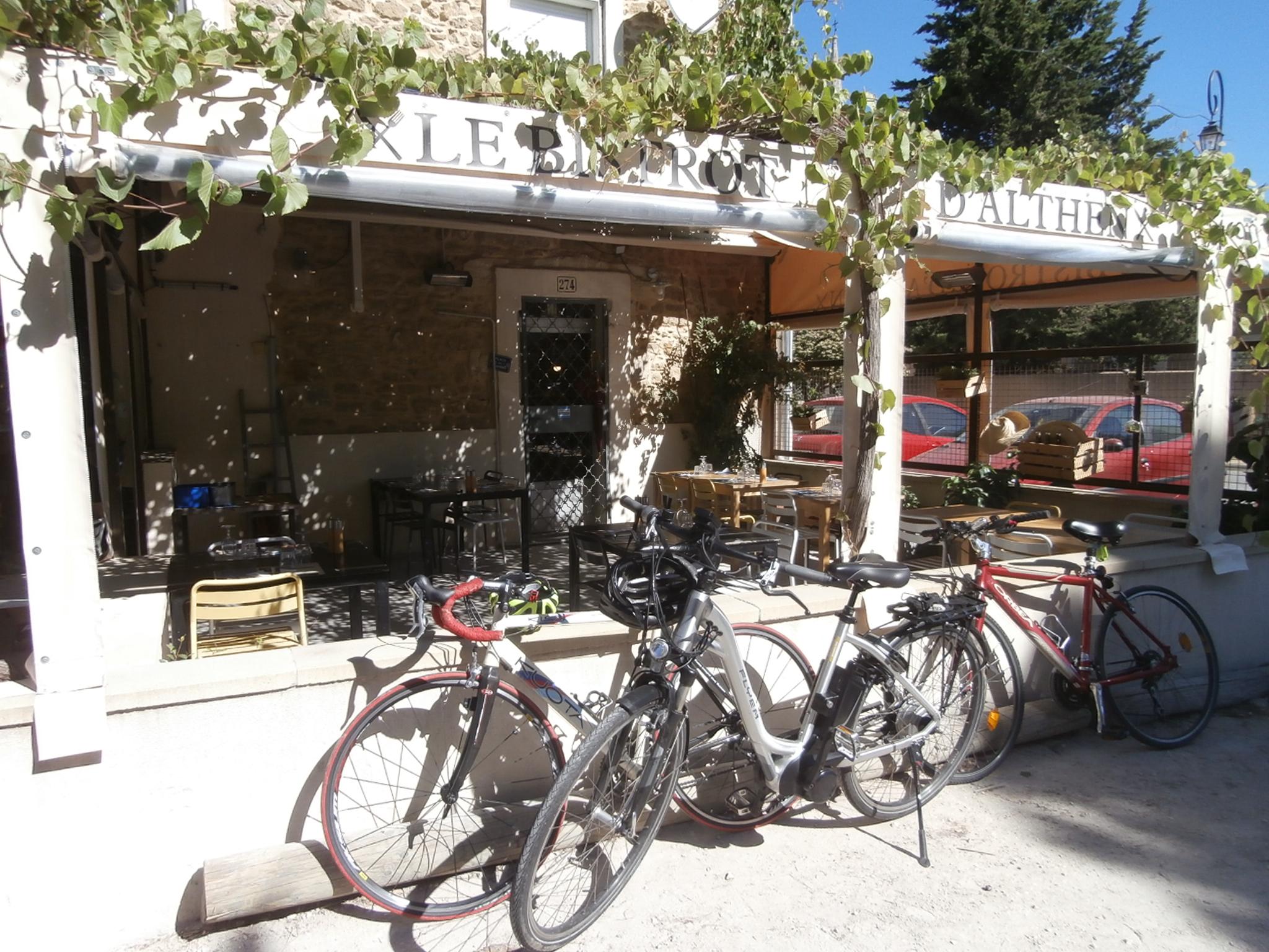 Terrasse accessibilité handicapé bar brasserie
