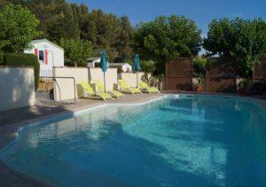 piscine accessibilité handicapé camping