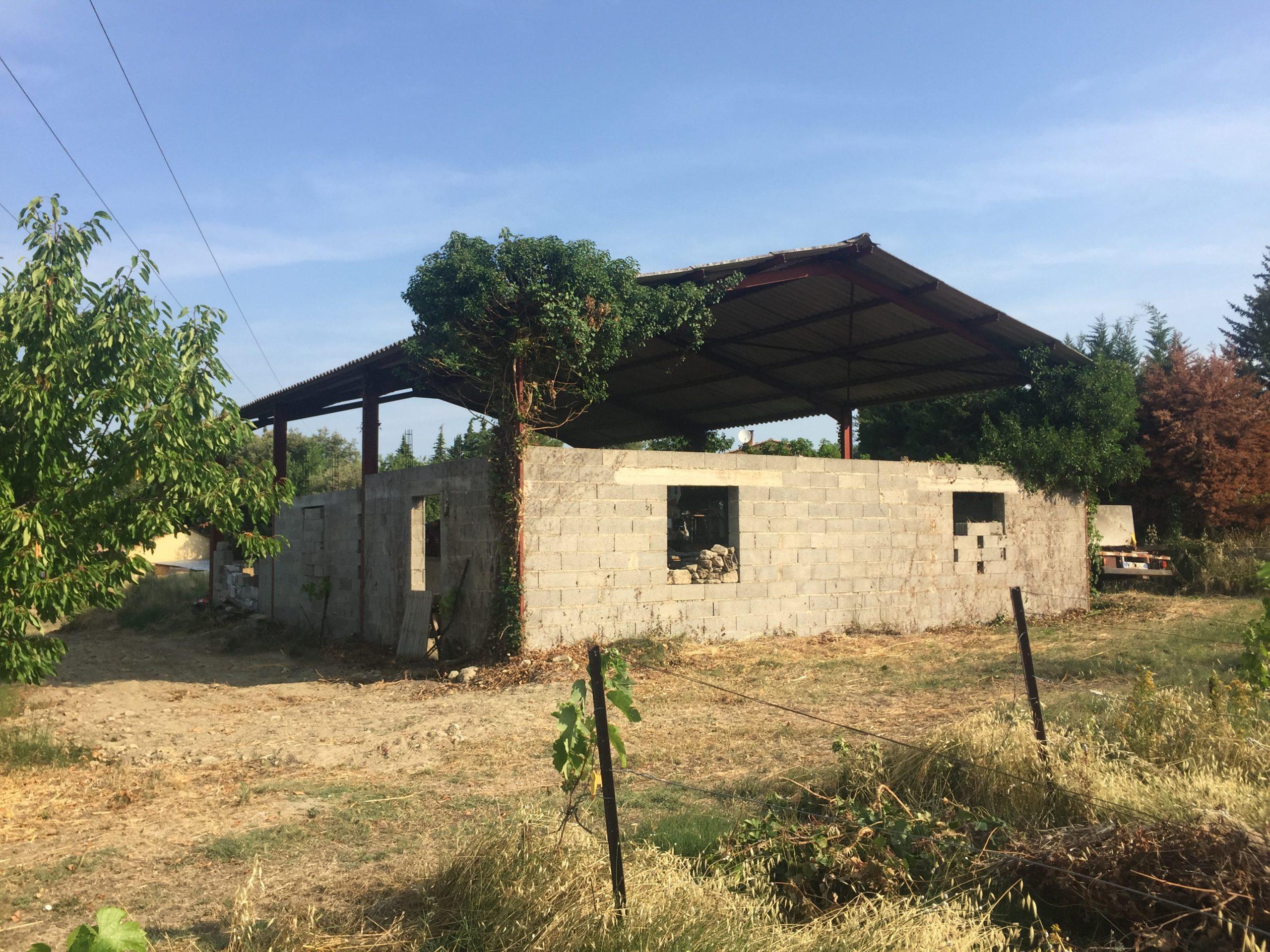 photo avant projet de création habitation dans hangar agricole
